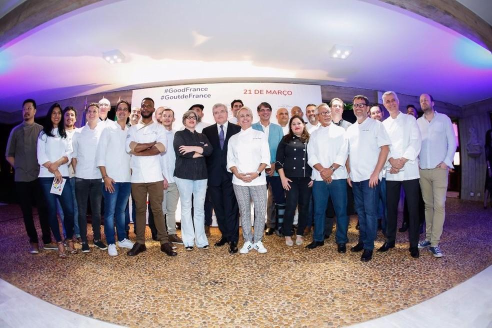 Chefs reunidos na Embaixada da França para anúncio da quinta edição do Goût de France — Foto: Joel Thé/Divulgação