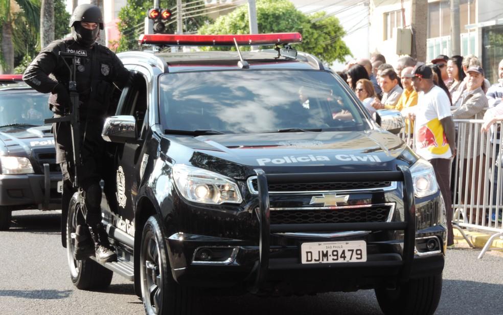 Polícia Civil marcou presença com o Grupo de Operações Especiais (GOE) — Foto: Stephanie Fonseca / G1