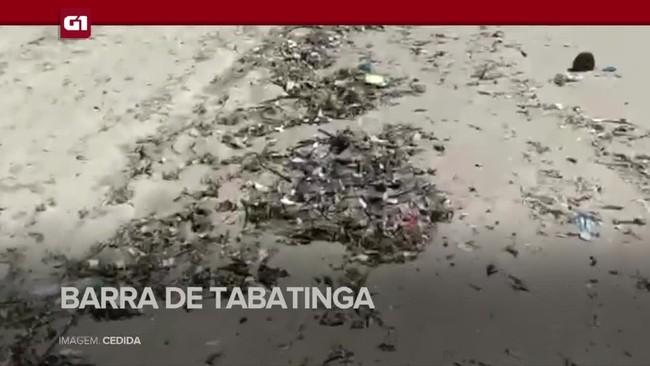 Mais de 1,5 tonelada de lixo é encontrada em praias do RN
