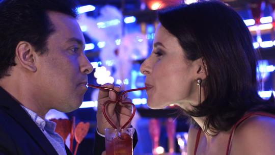 Nelito e Cíntia se beijam! Confira tudo o que vai rolar na festa da Strass