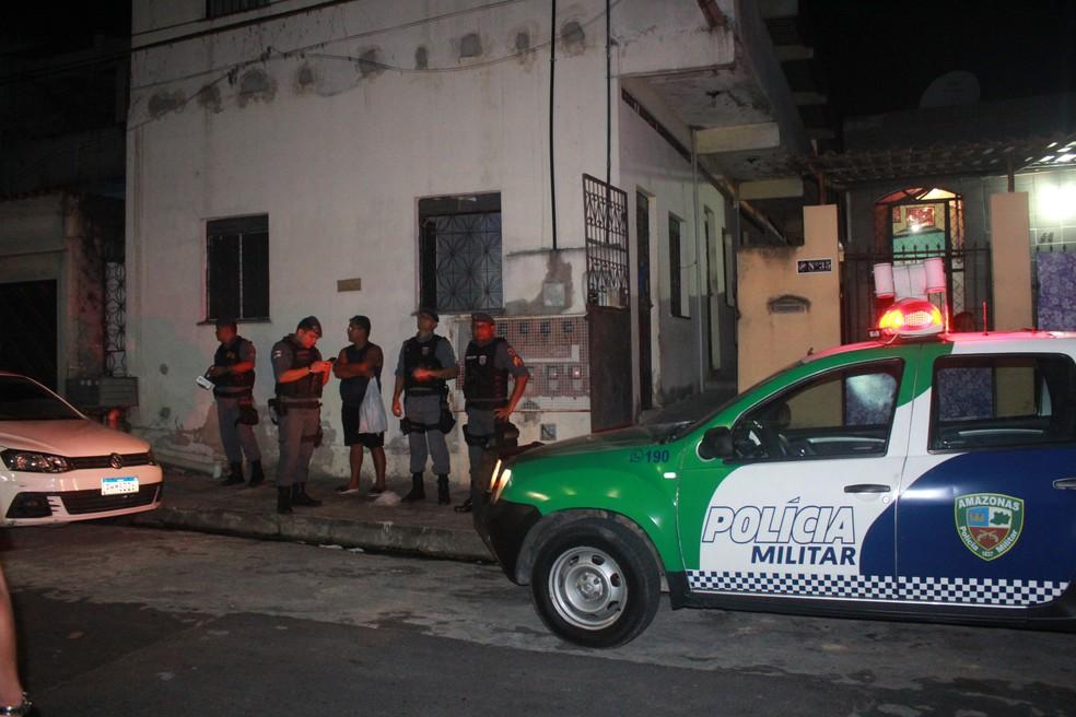 Corpo foi encontrado em caixa d'água de prédio em Manaus — Foto: Rickardo Marques/G1 AM