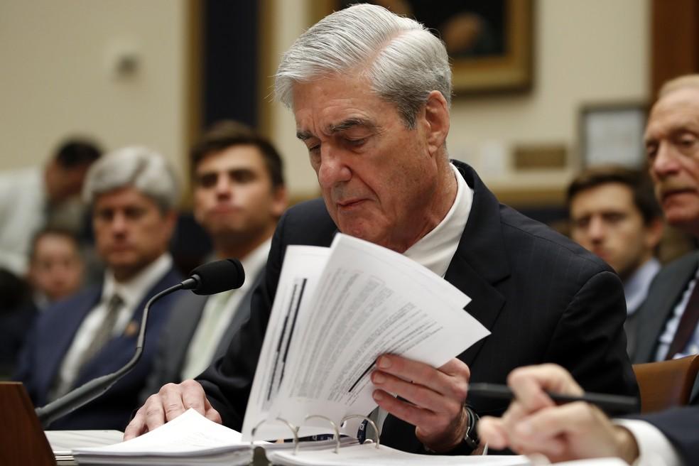 Robert Mueller depõe ao Congresso nesta quarta-feira (24). — Foto: Alex Brandon/AP