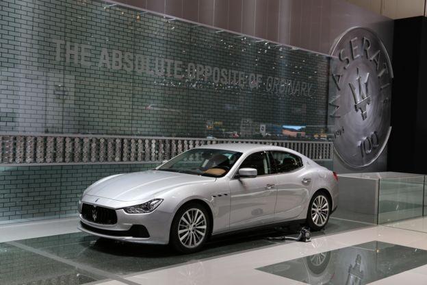 Maseratis como esse da foto, que valem mais de US$ 100 mil (Cerca de R$ 370 mil) cada, estão entre os que a polícia conseguiu localizar (Foto: Getty Images via BBC)