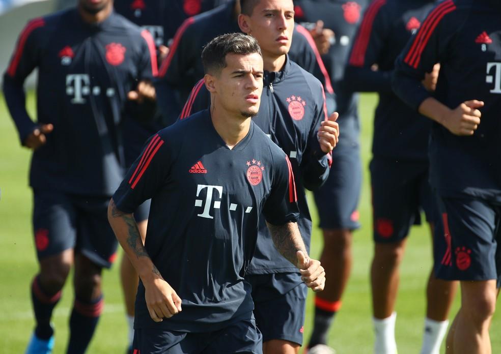 Philippe Coutinho em treino do Bayern: brasileiro só foi titular uma vez em três jogos até aqui — Foto: Reuters