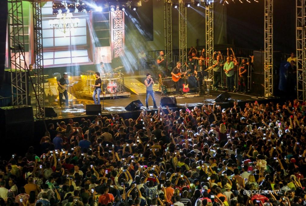Zezé di Camargo e Luciano fazem show no São João do RN — Foto: Rogério Vital