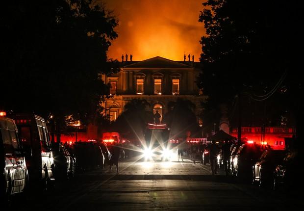 Museu Nacional do Rio pegou fogo na noite de domingo (Foto: Buda Mendes/GETTY IMAGES)