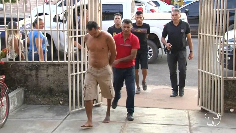 Segundo a PC, Neudimar Dutra e Olavo Magno Fonseca estariam utilizando um aplicativo de mensagens para planejar os crimes (Foto: Reprodução/TV Tapajós)