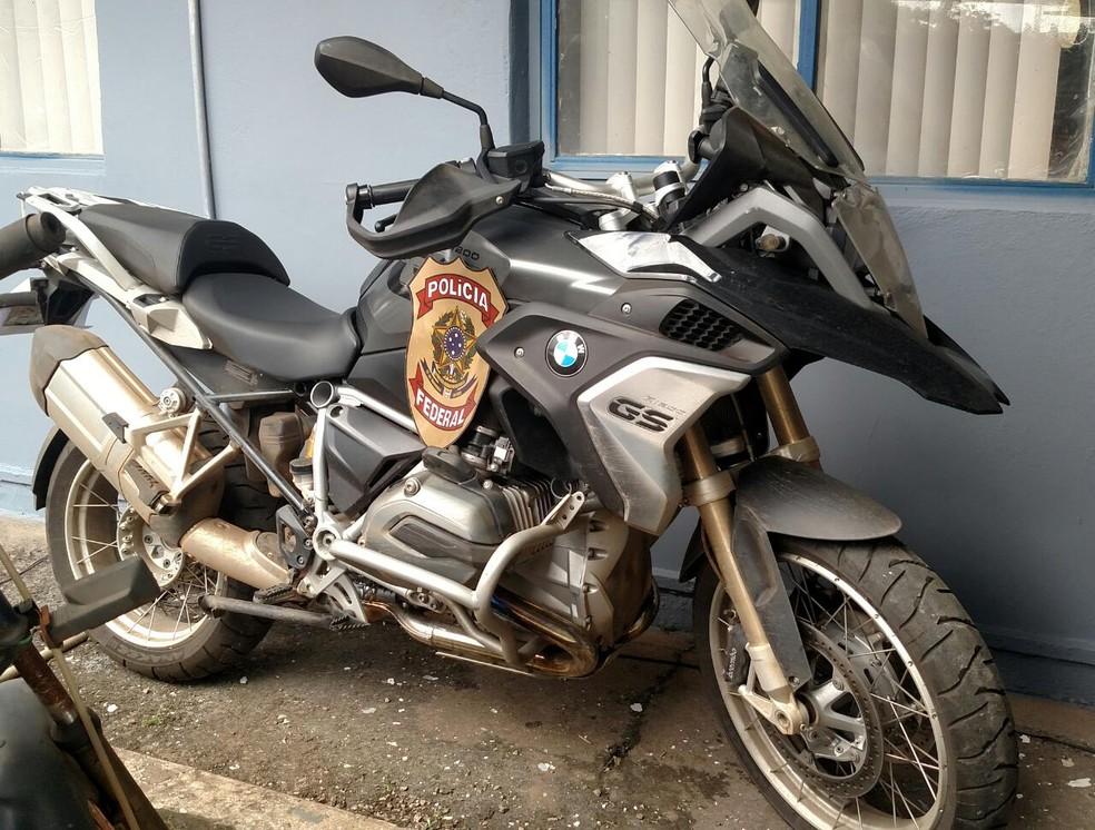 Moto apreendida para ser devolvida ao CRO — Foto: PF/Divulgação