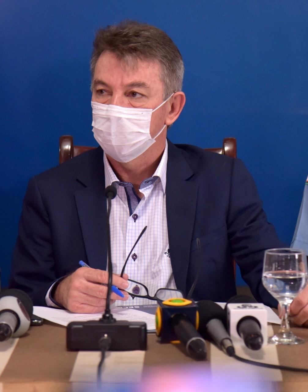 Governador de Roraima viaja a São Paulo para receber doses da vacina contra Covid-19