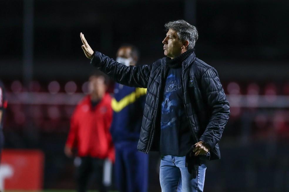 Renato Portaluppi gostou do rendimento do time no Morumbi — Foto: Lucas Uebel / Grêmio FBPA
