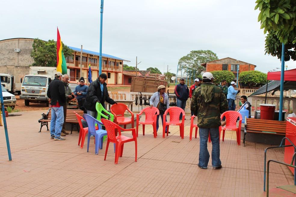 Grevistas dizem que só liberam porto quando tiverem reivindicações atendidas  (Foto: Júnior Freitas / G1 RO )