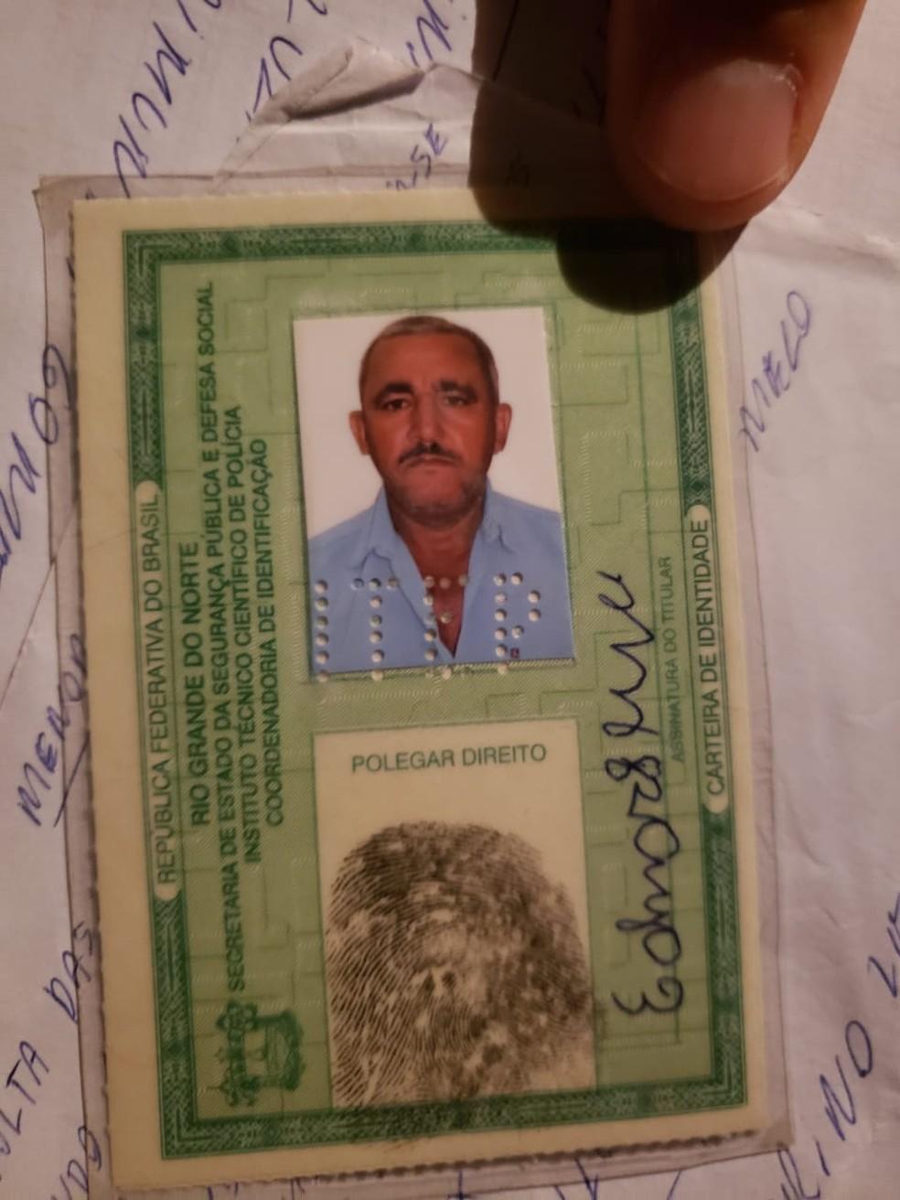 Edmar Lima, de 54 anos, foi assassinado em casa pelo próprio filho, segundo a PM — Foto: Cedida