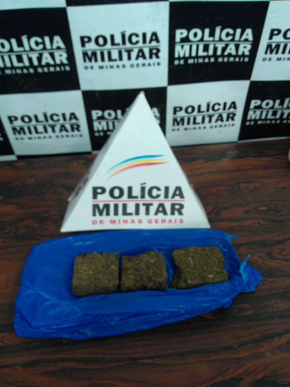 Dois são detidos por tráfico de drogas em Divinópolis - Notícias - Plantão Diário