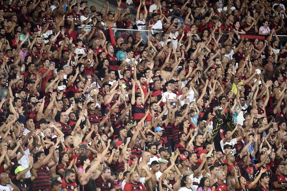Torcida Jovem do Flamengo decide retirar símbolos de manifestação pela Democracia e abraço no Maracanã