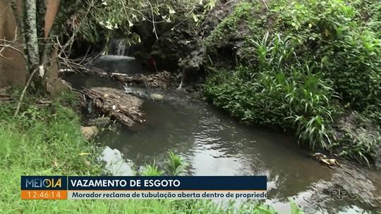 Morador reclama de tubulação aberta dentro de propriedade em Ponta Grossa