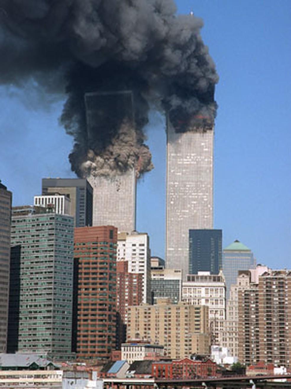 Torres Gêmeas em ataque de 11 de Setembro de 2001  — Foto: (Foto: AP)