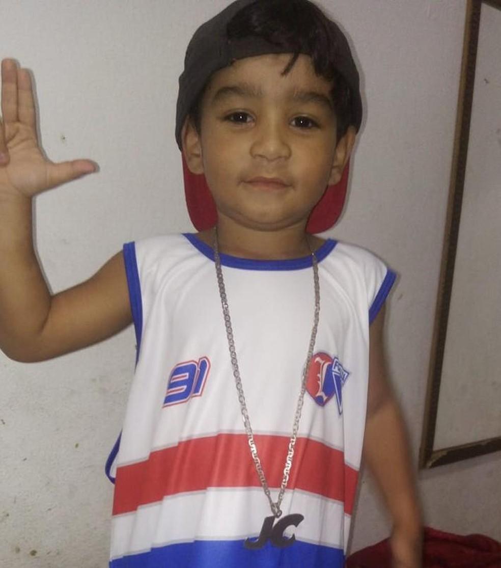Imagem de Júlio César da Silva Moreira, menino de 4 anos que morreu em tiroteio em Fortaleza. — Foto: Arquivo Pessoal