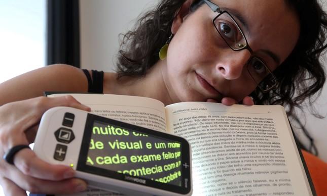 Fernanda Shcolnik tem baixa visão