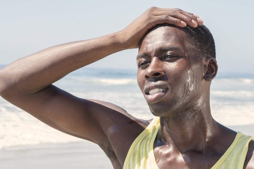 Em clima quente, precisamos tomar mais precauções — Foto: iStock