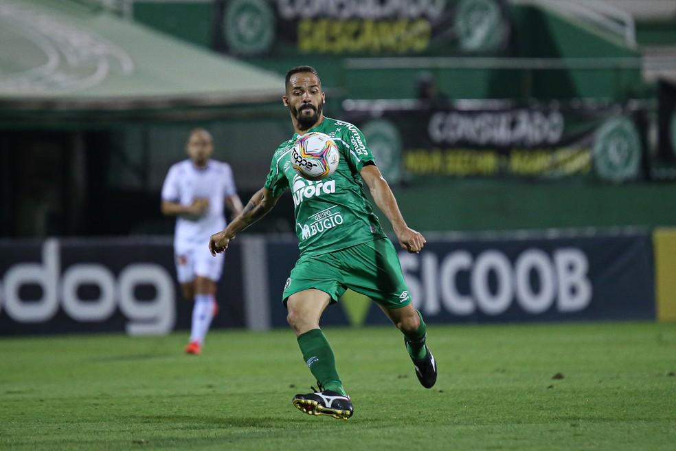 Atacante tem contrato com a Chape até o fim da temporada — Foto: Márcio Cunha/ACF