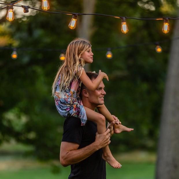 Tom Brady e a filha, Vivian (Foto: Reprodução/Instagram)