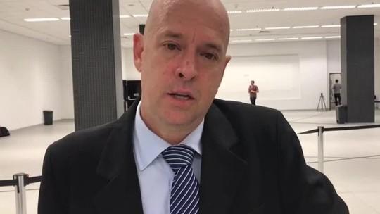 """Héber tratará com advogados sobre fala de presidente tricolor: """"Pressão a mais"""""""