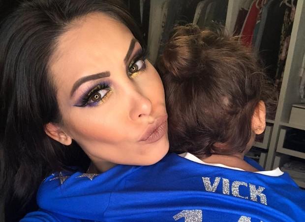 Bella Falconi e Vicky (Foto: Reprodução/Instagram)
