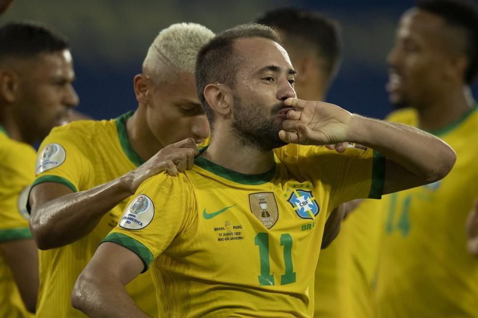 Everton Ribeiro comemora primeiro gol pela Seleção Brasileira — Foto: Divulgação - Lucas Figueiredo/CBF