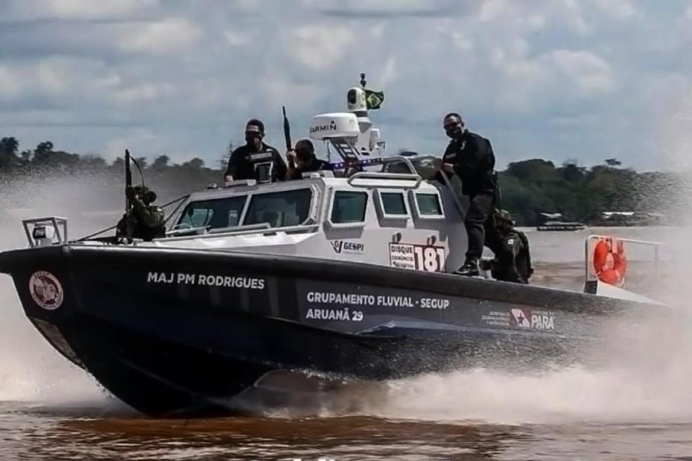 Lancha blindada do sistema de segurança foi deslocada para buscar suspeitos de roubo a embarcações no Marajó. — Foto: Divulgação
