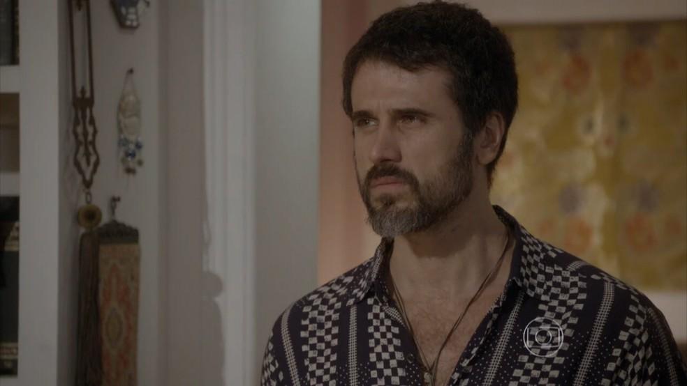 Gael (Eriberto Leão) se revolta ao encontrar René (Mário Frias) em 'Malhação - Sonhos'. — Foto: Globo