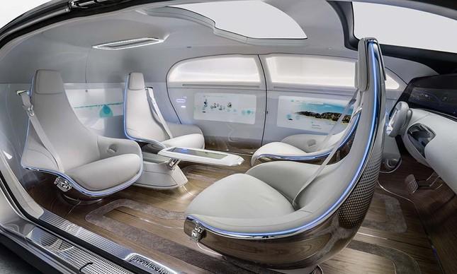 Interior de um carro conceito autônomo da Mercedes