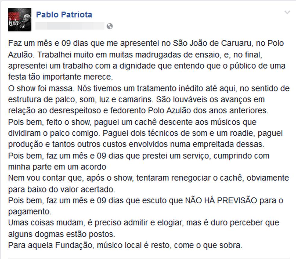 Patriota usou a rede social para denunciar o atraso (Foto: Reprodução/Facebook)