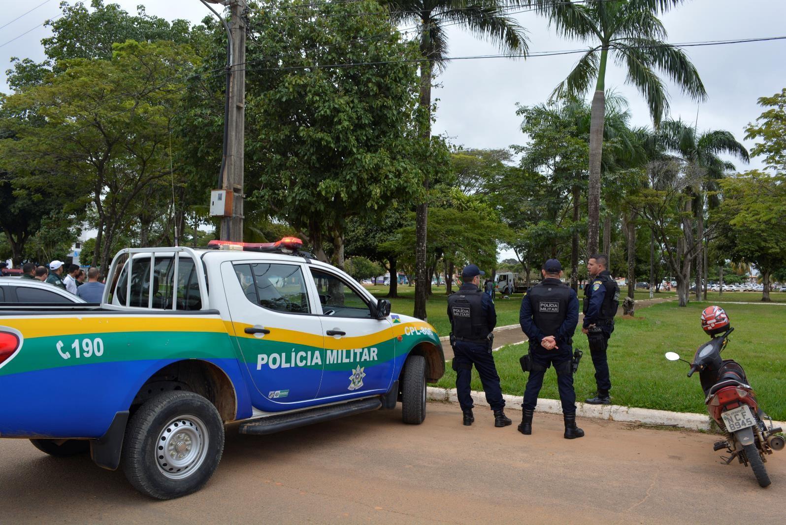Homem é detido por suspeita de fazer ameaça com simulacro de arma de fogo
