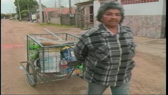Reciclagem auxilia na renda de catadores em Uruguaiana
