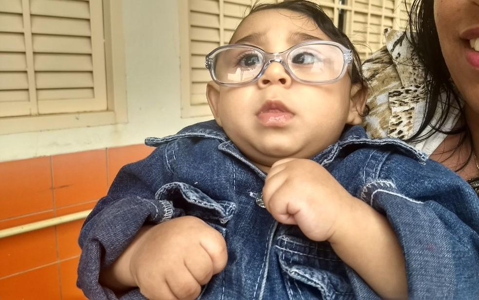 Jessé, 10 meses, foi diagnosticado com microcefalia logo após o nascimento. A foto foi feita no Distrito Federal em  2017.  (Foto: Marília Marques/G1 )