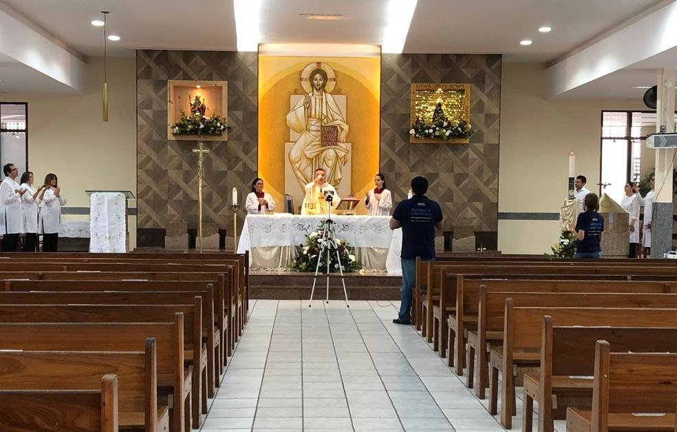 Igrejas foram fechadas para conter avanço da Covid-19 — Foto: Douglas Lemos/Inter TV Cabugi