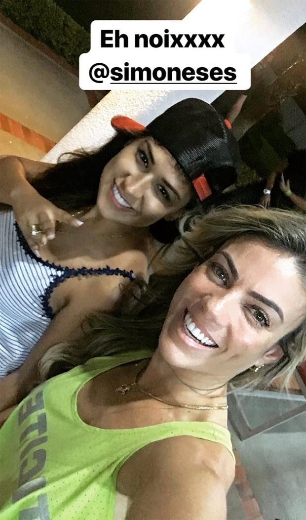 Simone e a personal Tici Moreira (Foto: Reprodução/Instagram)