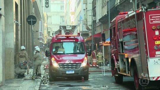 3 bombeiros morrem durante incêndio no Rio; há 3 feridos