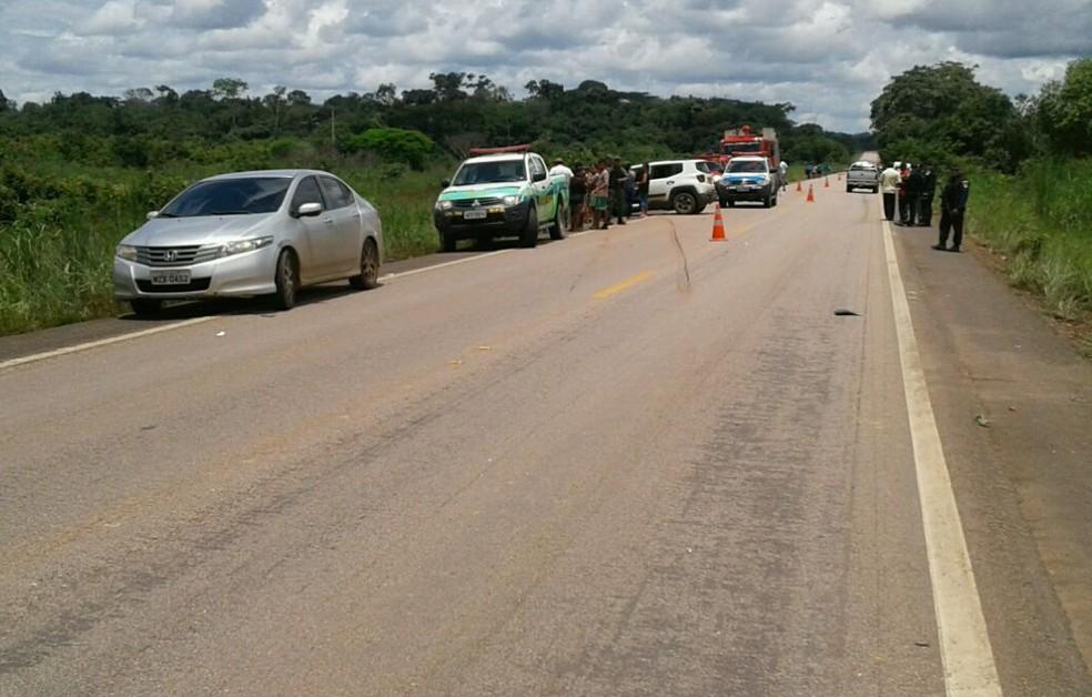 Acidente na BR deixa três vítimas graves e duas pessoa mortas em Nova Mutum Paraná, RO (Foto: PRF/Divulgação)