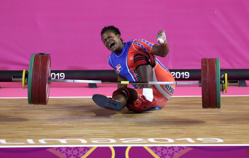 Crismery Santana na hora em que machucou o braço — Foto: REUTERS/Guadalupe Pardo
