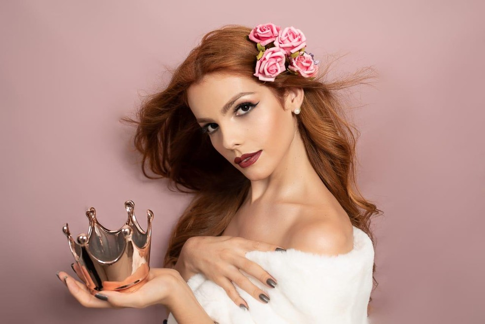 Náthalie trabalha como modelo e foi a primeira candidata a concorrer o título de Miss Rio neste ano — Foto: Arquivo Pessoal/Náthalie de Oliveira