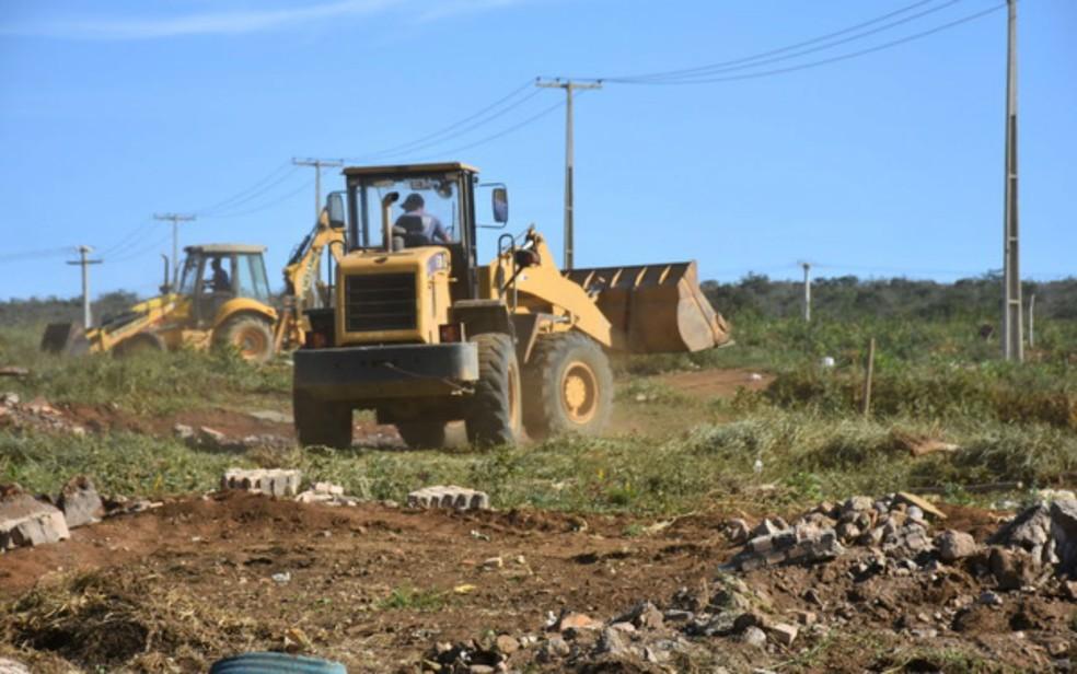 Área pública pertence à cidade de Vitória da Conquista e foi reintegrada na manhã desta segunda (4) (Foto: Anderson Oliveira/Blog do Anderson)