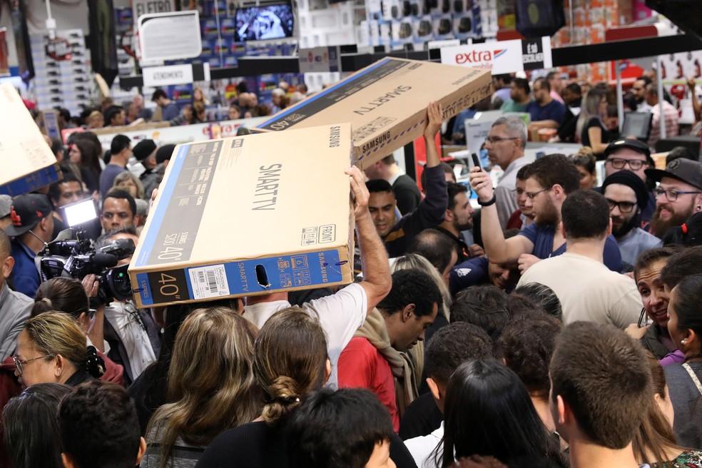 Black Friday ajudou a impulsionar vendas do comércio em novembro (Foto: Celso Tavares/G1)