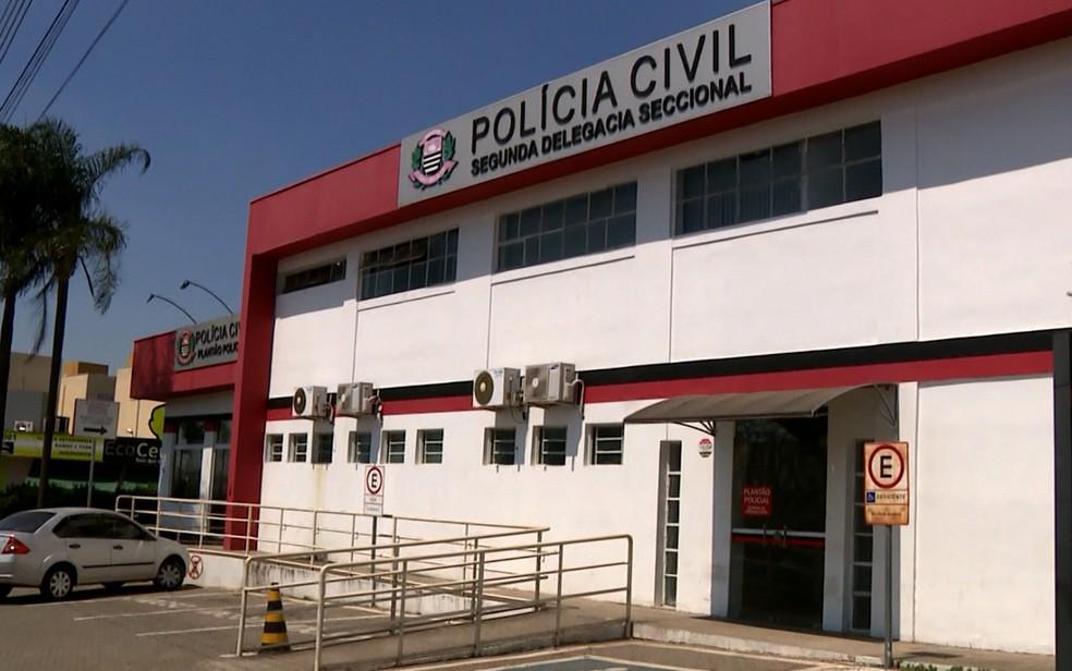Ocorrência foi registrada na 2ª Delegacia Seccional, em Campinas (Foto: Luciano Machado/EPTV)