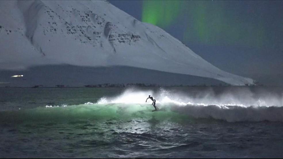 Cena do filme 'Under an Arctic Sky' (Sob o Céu do Ártico, em tradução livre) (Foto: Chris Burkard/Massif/Sweatpants Media)