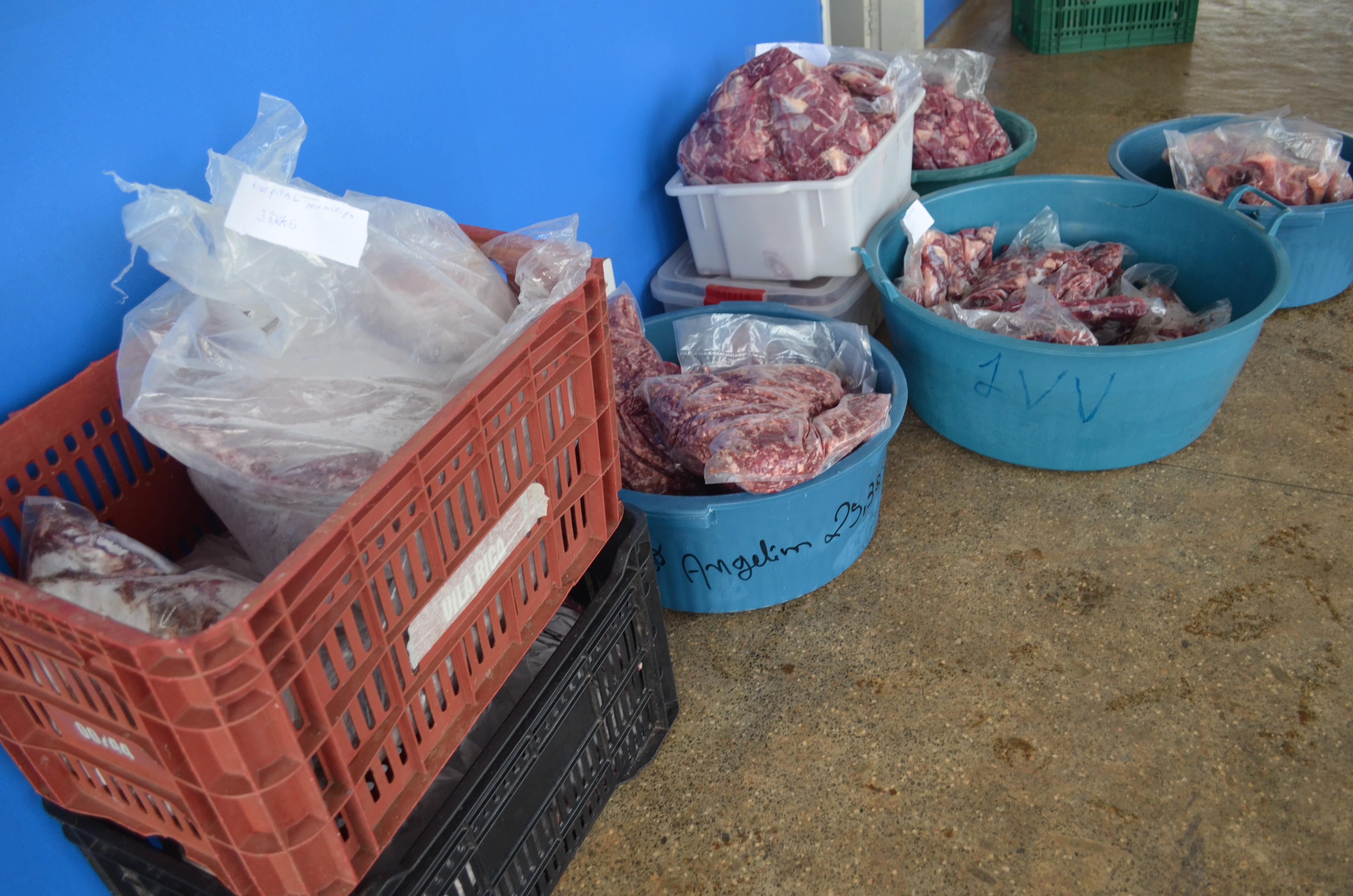 Carne para merenda escolar é apreendida por irregularidades em Colorado do Oeste, RO