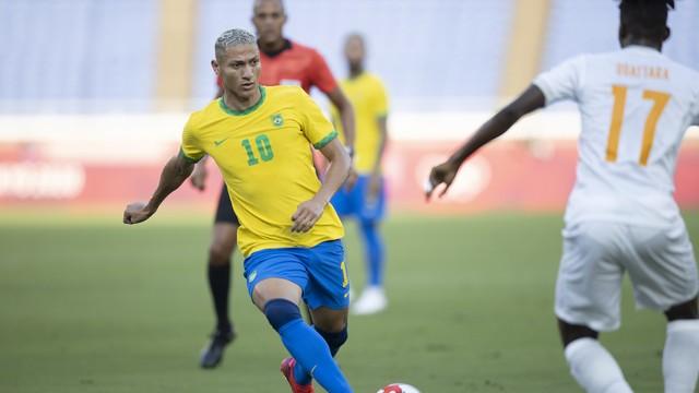Richarlison, atacante da seleção brasileira, na partida contra a Costa do Marfim