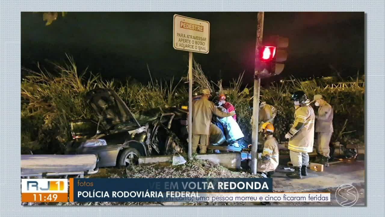Homem morre e cinco se ferem em batida entre ônibus e carro na BR-393 em Volta Redonda