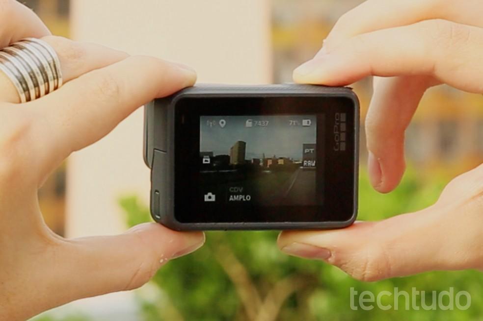 A GoPro Hero6 Black permite fotografar em RAW (Foto: Aline Batista/TechTudo)