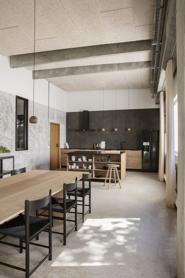 Décor do dia: cozinha minimalista integrada ao jantar (Foto: Brdr Kruger/ Divulgação)